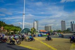 Kuala Lumpur, Maleisië - Maart 9, 2017: De vlag van Maleisië golven lang in Merdaka-Vierkant, in de stad de stad in Royalty-vrije Stock Foto's
