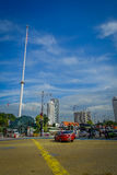 Kuala Lumpur, Maleisië - Maart 9, 2017: De vlag van Maleisië golven lang in Merdaka-Vierkant, in de stad de stad in Stock Fotografie