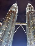 Kuala Lumpur, Maleisië - November 3, 2017: Petronas Tweelingtorens Maleisië Stock Foto's