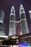 Kuala Lumpur, Maleisië - November 3, 2017: Petronas Tweelingtorens Stock Afbeeldingen