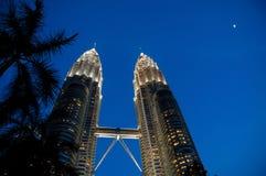 Kuala Lumpur, Maleisië - Oktober 13, 2010: De Petronas-tweeling aan Royalty-vrije Stock Foto's