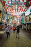 Kuala Lumpur, Malesia - 9 marzo 2017: Il mercato di strada di Petaling, nel cuore della Chinatown della città è un popolare Immagini Stock Libere da Diritti