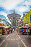 Kuala Lumpur, Malesia - 9 marzo 2017: Il mercato di strada di Petaling, nel cuore della Chinatown della città è un popolare Fotografia Stock Libera da Diritti