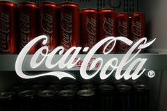 KUALA LUMPUR, MALESIA - 18 novembre 2017: Coca Cola è il cavo Fotografia Stock