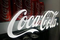KUALA LUMPUR, MALESIA - 18 novembre 2017: Coca Cola è il cavo Fotografia Stock Libera da Diritti