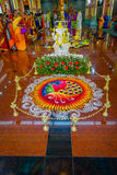 Kuala Lumpur Malezja, Marzec, - 9, 2017: Niezidentyfikowani ludzie w tradycyjnym Hinduskim ślubnym świętowaniu Hinduizm jest Obrazy Stock