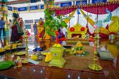 Kuala Lumpur Malezja, Marzec, - 9, 2017: Niezidentyfikowani ludzie w tradycyjnym Hinduskim ślubnym świętowaniu Hinduizm jest Zdjęcia Royalty Free