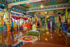 Kuala Lumpur Malezja, Marzec, - 9, 2017: Niezidentyfikowani ludzie w tradycyjnym Hinduskim ślubnym świętowaniu Hinduizm jest Zdjęcie Royalty Free