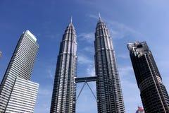 KUALA LUMPUR MALEZJA, Marzec 20 2017, -: Petronas bliźniacze wieże na Marzec 20 2017 w Kuala Lumpur, Malezja Obraz Royalty Free