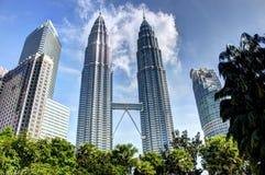 KUALA LUMPUR MALEZJA, Marzec 20 2017, -: Petronas bliźniacze wieże na Marzec 20 2017 w Kuala Lumpur, Malezja Zdjęcie Royalty Free