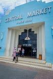 Kuala Lumpur Malezja, Marzec, - 9, 2017: Stara błękitna rocznik fasada Cental rynek w Jln zrozumieniu Kasturi Rynek Obraz Stock