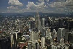 Kuala Lumpur, mars 2015 Tours de Petronas Ville d'horizon Photographie stock libre de droits