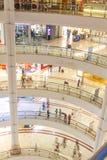 KUALA LUMPUR, Marzec - 01, 2015: Suria KLCC w Petronas bliźniaczej wieży Zdjęcia Stock
