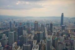 Kuala Lumpur miasta widok z Nowym punktu zwrotnego budynkiem przy Jalan Tun Razak zdjęcia royalty free