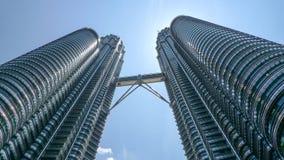 Kuala Lumpur petronas torn kopplar samman Fotografering för Bildbyråer