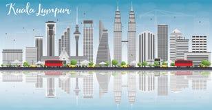 Kuala Lumpur Skyline avec Gray Buildings et des réflexions Images libres de droits