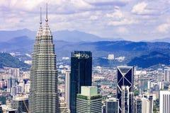 Kuala Lumpur-stadshorizon met wolkenkrabbers, Maleisië stock fotografie