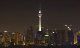Kuala- Lumpurkontrollturm bis zum Night Lizenzfreies Stockfoto