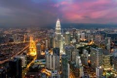 Kuala- Lumpurskyline in der Nacht, Malaysia, Kuala Lumpur sind ernstlich stockfotos