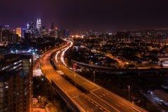 Kuala- LumpurSkyline nachts Stockbild