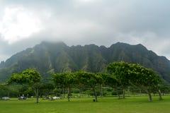Kualoa berg, Hawaii royaltyfria foton