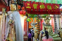 Kuan Im-beelden in Oude Thaise tempel Royalty-vrije Stock Foto's