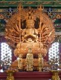 Kuan yin木头雕塑 免版税库存图片