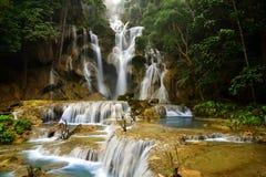 kuang老挝luang prabang si瀑布 免版税库存图片
