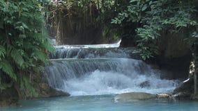 Kuang Si Falls en Luang Prabang, Laos metrajes