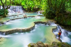 Kuang Si vattenfall Royaltyfria Foton