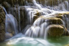 Kuang Si vattenfall Arkivbilder