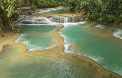 Kuang Si Wasserfall Lizenzfreie Stockfotografie