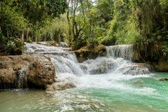 Kuang Si Wasserfall Lizenzfreie Stockfotos