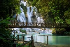 Kuang Si Waterfall dans Luang Prabang, LAOS photo stock