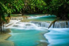 Kuang Si Waterfall in Luang prabang, LAOS Stock Afbeelding