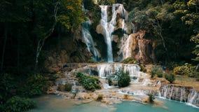 Kuang Si Waterfall in Luangprabang, Laos Het lange Schot van de blootstellingshommel stock afbeeldingen