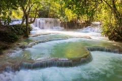 Kuang Si-watervallen in Luangprabang Royalty-vrije Stock Fotografie