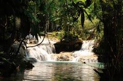 Kuang Si (XI) vattenfall royaltyfri bild