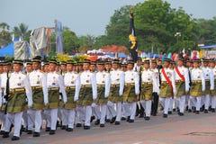 KUANTAN 31. AUGUST: Malaysians nehmen an der Nationaltagparade teil und feiern den 58. Jahrestag von Unabhängigkeit am 31. August Stockbild