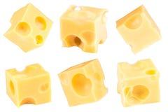 Kub av ost som isoleras på en vit bakgrund Samling med arkivfoton