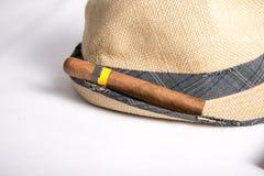 Kubański cygaro i kapelusz Obrazy Royalty Free