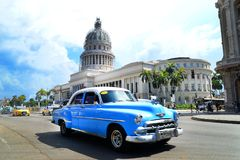 Kuba miasta Audi Hawańskich Starych samochodów Floryda Uliczny ruch drogowy obrazy stock
