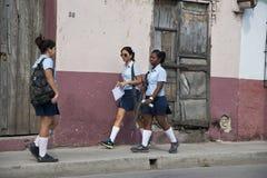Kubanen skolar flickor Arkivbild