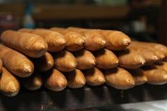 Kubanische Zigarren über der Tabelle Lizenzfreies Stockfoto