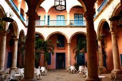 Kubanischer Patio in Havana, Kuba lizenzfreie stockfotografie