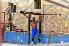 Kubanska boxare i havannacigarr Arkivbilder