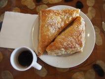 Kubanskt kaffe och bakelse Royaltyfri Fotografi
