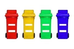 Kubeł na śmieci używał dla koloru rozdzielenia odizolowywającego na białym tle royalty ilustracja