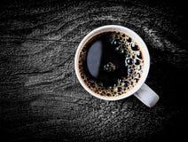 Kubek świeża pełna pieczeń filtra kawa Fotografia Royalty Free