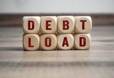 Kuber och tärning med skuldpåfyllningen arkivbilder